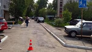 A driver in Novosibirsk shot down a girl by the pool
