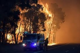 A bush fire is threatening Lancelin's life and homes